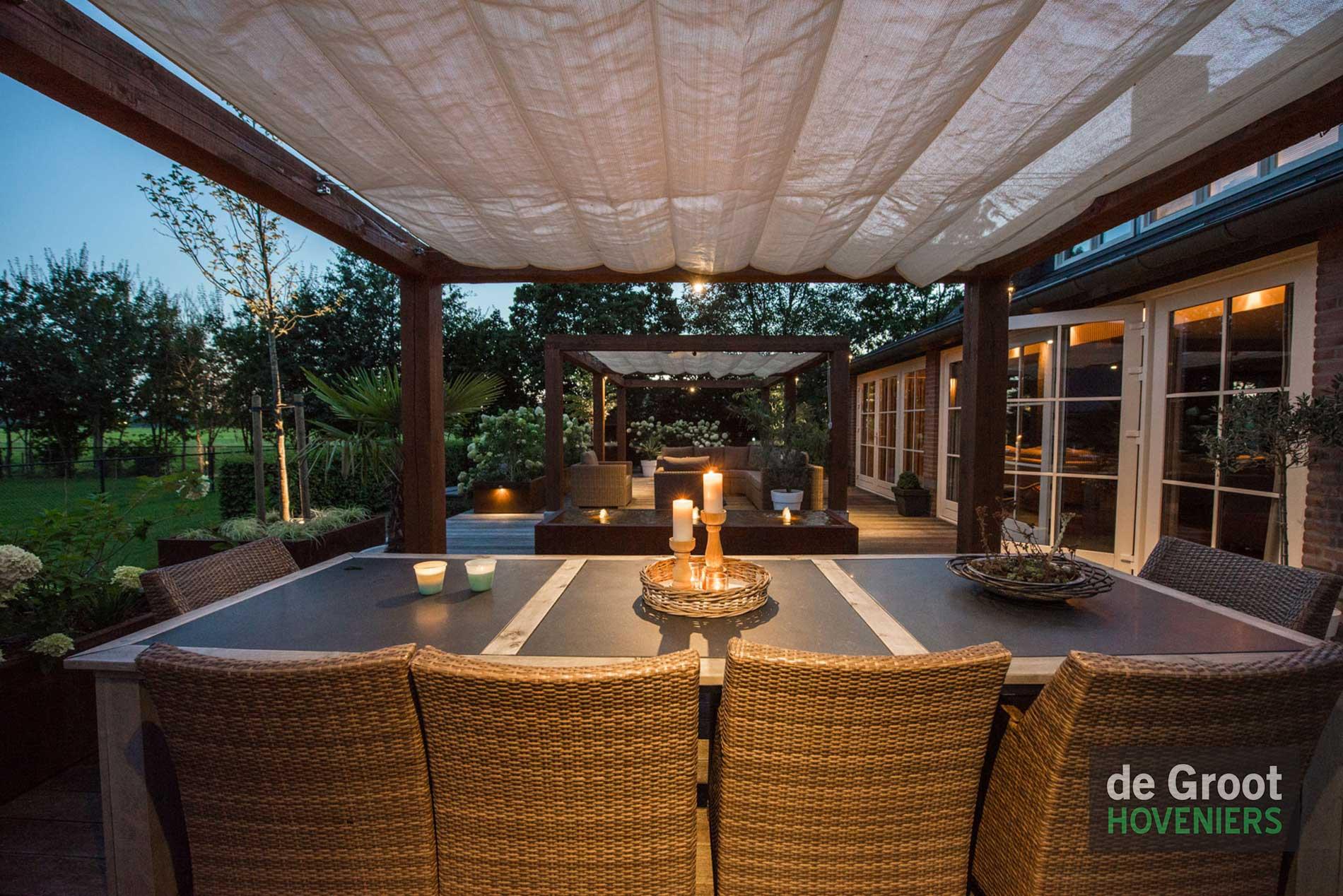 De-Groot-Hoveniers-Tuinen-Uden-Gogh-pergola-Veranda-lounge-set ...