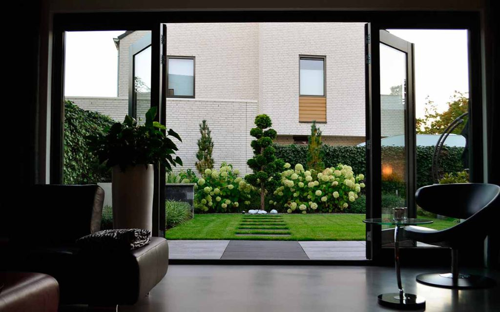 Moderne tuinen onderhoudsarme moderne tuin de groot hoveniers