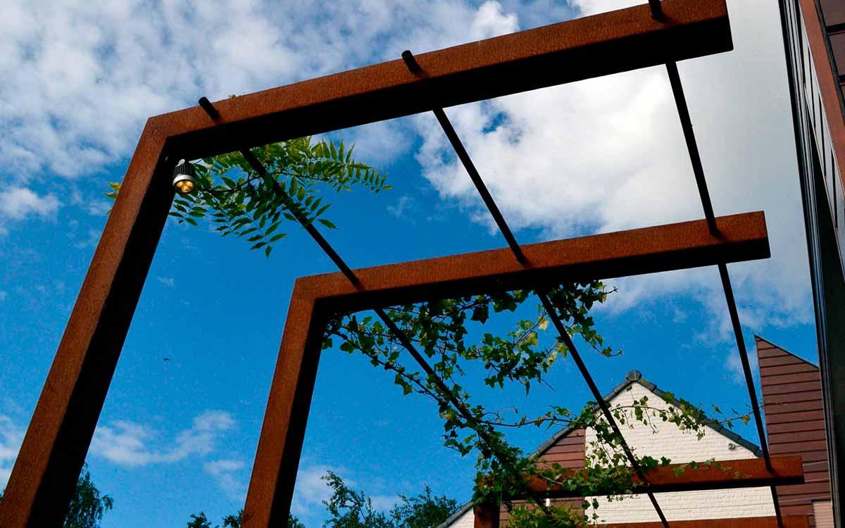 De Groot Hoveniers Moderne Tuinen strakke vormen
