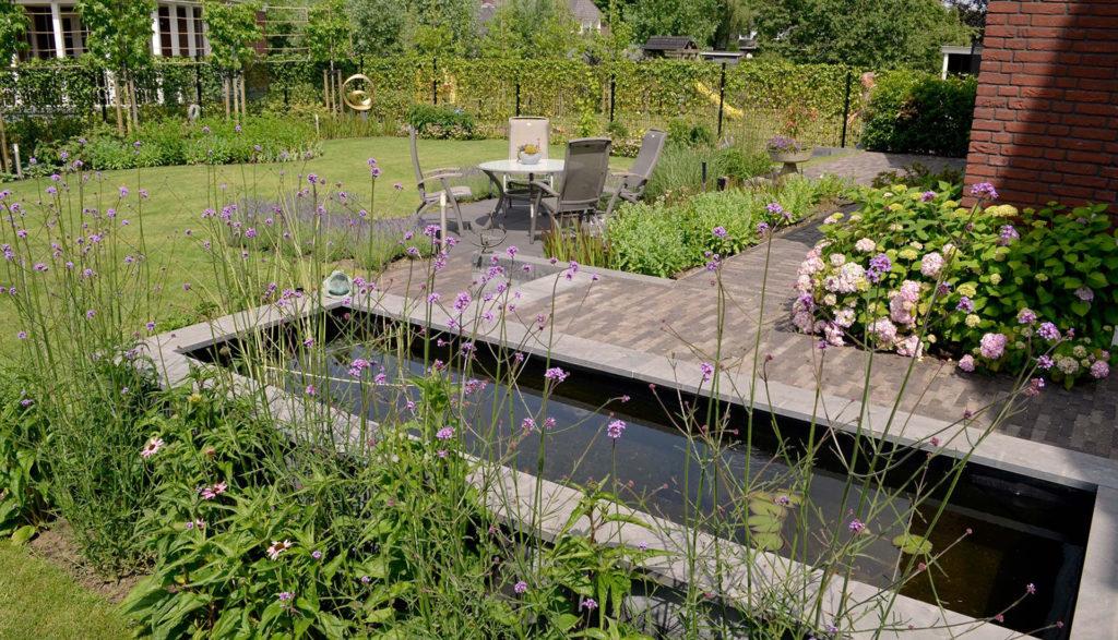 Water in de tuin de groot hoveniers for Waterpartij maken
