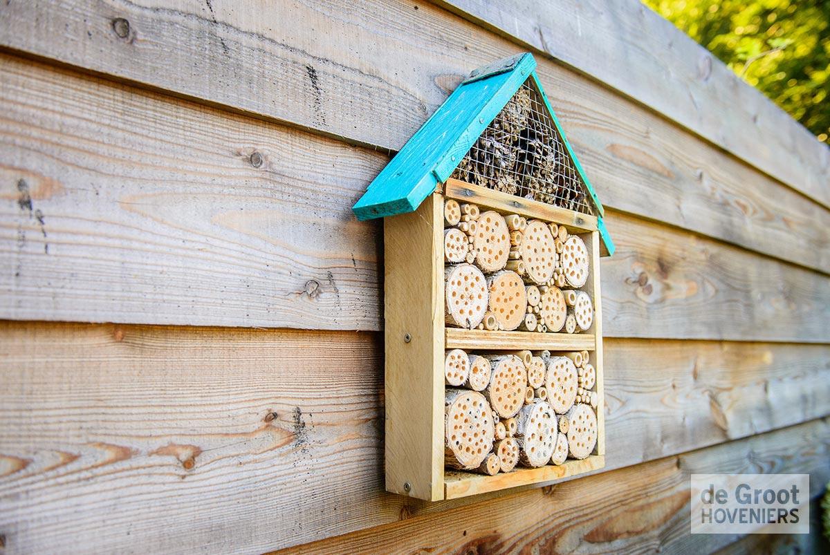 bijenkastje natuurlijke tuin