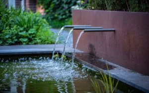 Moderne tuin waterspuwer